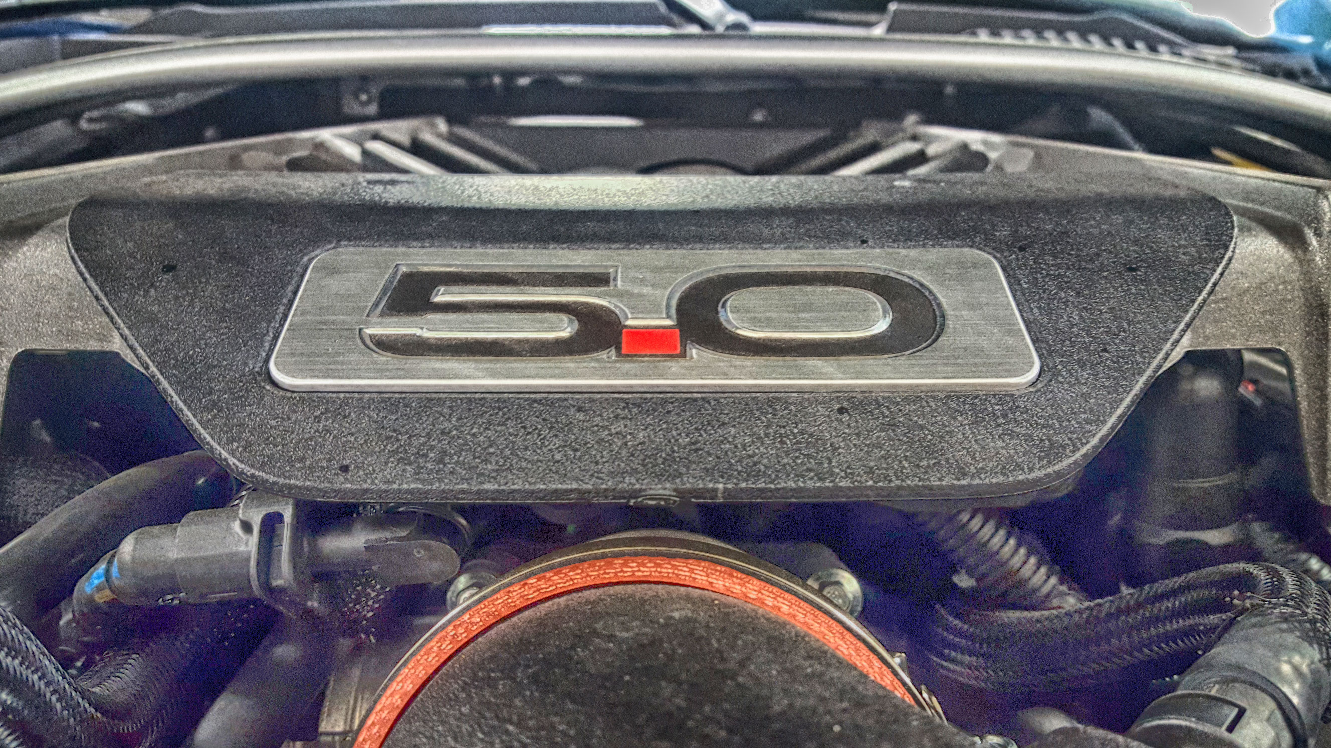 2016-mustang-5-0-engine-cover